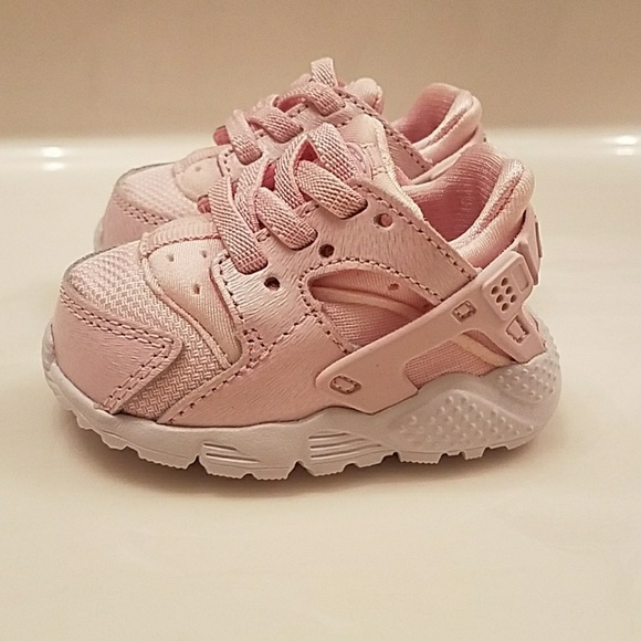 Nike Huarache pink infant girl s shoes. M 5a5d3d18739d48419c6e13aa e56cd0c6f5da